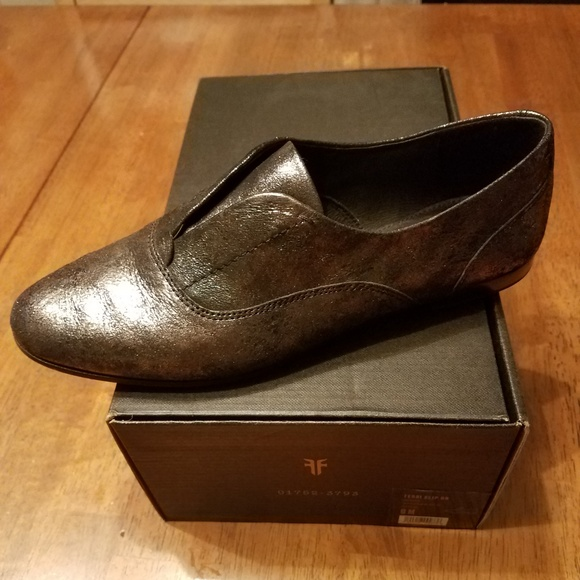d976b2705c0 Frye Shoes - Frye Terri Slip On Oxfords - Gold - Size 9